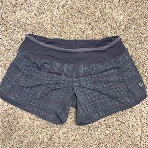 Lululemon speed short size 8 grey plaid used
